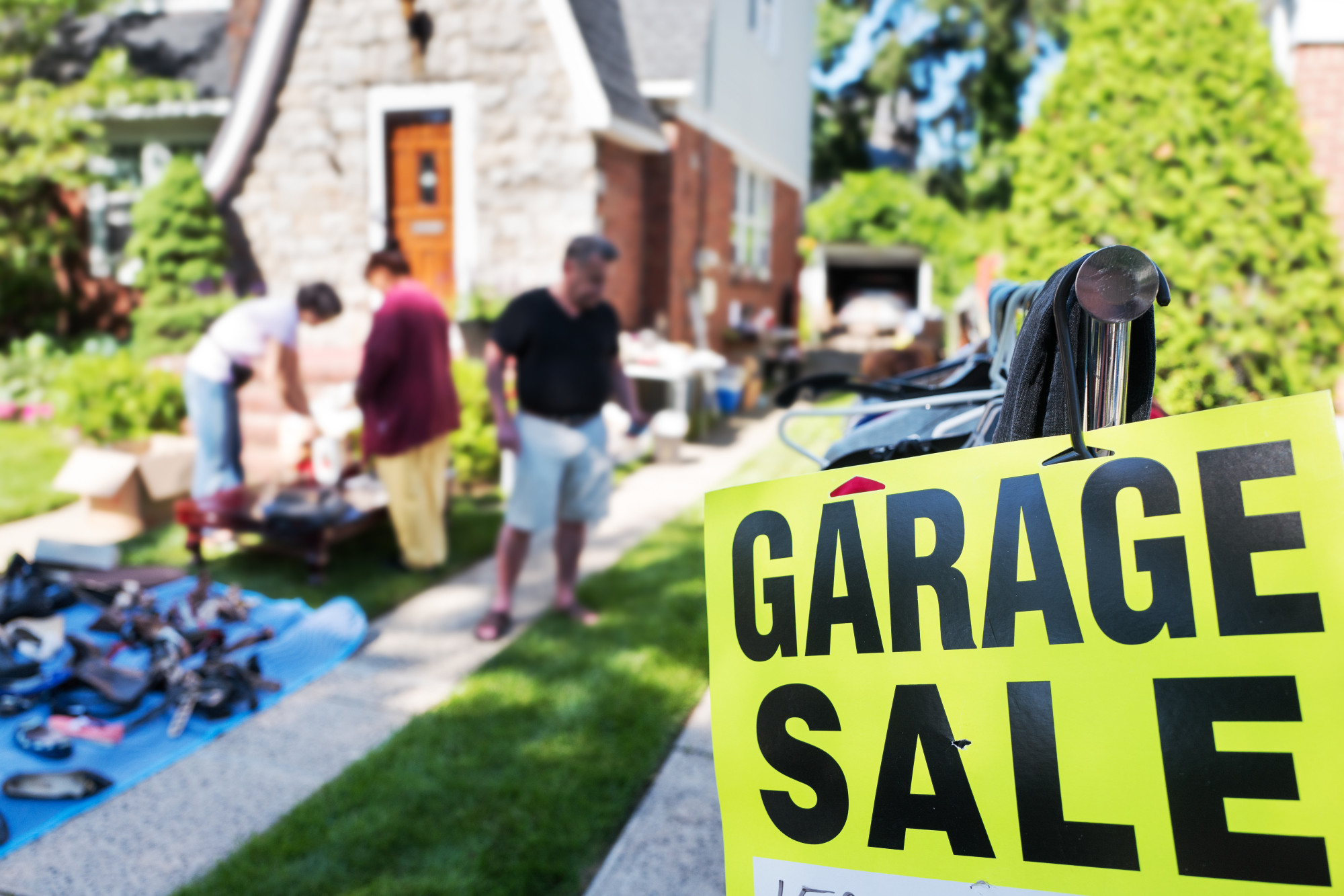 Garage Sale Furniture Selling: 5 Tips that Will Help You Get it Gone