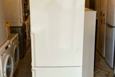 BOSCH AVANTIXX TALL NICE FRIDGE FREEZER WITH FREE DELIVERY