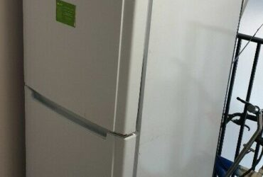 Hotpoint Fridge Freezer FFUL1810P