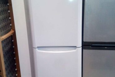 Fridge freezer indesit