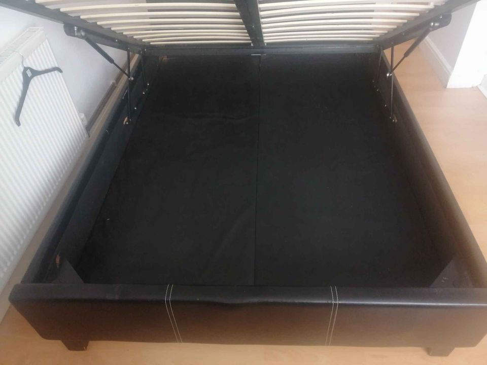 BED DOUBLE SPRUNG STORAGE 4ft 6in by 6ft