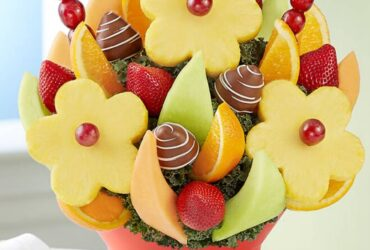 Delightful Daisies Fruit Arrangement